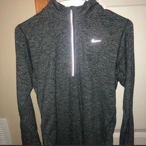 Nike active quarter zip